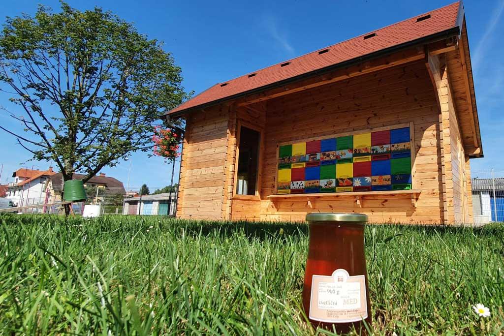 Prodaja medu v Poklicni gasilski enoti Celje